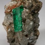 Beryl (variety emerald), Calcite, Pyrite, Albite (variety cleavelandite)<br />Chivor mining district, Municipio Chivor, Eastern Emerald Belt, Boyacá Department, Colombia<br />22x21x30mm, xl=14mm<br /> (Author: Fiebre Verde)