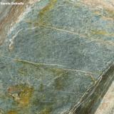 Tuf volcánico riolítico Roca volcánica Parc Natural Comunal de les Valls del Comapedrosa, La Massana, Andorra Compuesto por fenocristales de cuarzo inmersos en una matriz de cuarzo, plagioclasa, clorita y moscovita. Detalle de la pieza anterior. (Autor: Frederic Varela)