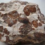 Hialoclastita, fragmentos cementados con roca caliza. Barranco de Guanarteme, Gran Canaria, España- Ancho de imagen 25 cm (Autor: María Jesús M.)