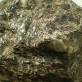 Micacita o Micaesquisto de Biotita Negro/Grisaceo Hiendelaencina. Guadalajara. España 11x9x5,5 cm. Con un peso de 685 grs. (Autor: Juancho)