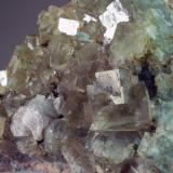 Fluorita Mines de Sant Marçal - Montseny - Viladrau - Osona - Girona - Catalunya - España 64 x 48 x 32 mm Colección y Fotografía de Joan Martinez Bruguera (Autor: Joan Martinez Bruguera)