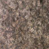 """""""Microgabro"""" (Ofita), 1. Roca 1. Esta roca fue tomada en el camino de acceso a la playa, encontrandose menos afectada por la erosión y descomposición marina. Se aprecia con claridad el entramado de plagioclasa (labradorita?) 14 x 12 x 6 cm Playa de Laga, Ibarrangelu, Busturialde - Urdaibai, Bizkaia (Autor: Miguel Segador)"""