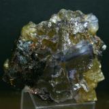 Fluorita<br />Mina Minerva I, Grupo Ozark-Mahoning, Sub-Distrito Cave-in-Rock, Condado Hardin, Illinois, USA<br />67mm - 60mm - 41mm<br /> (Autor: Pedro Naranjo)