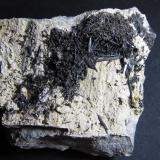Ferroactinolita-Tremolita (Serie)<br />Cantera Minera I, Cerro de los Serranos, Lebrija, Comarca Bajo Guadalquivir, Sevilla, Andalucía, España<br />8''5 x 6''5 cm.<br /> (Autor: prcantos)