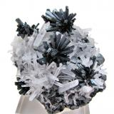 Stibnite, quartz, sphalerite<br />Alimon Mine (Animon Mine), Huaron mining district, Huayllay District, Pasco Province, Pasco Department, Peru<br />67 mm x 62 mm<br /> (Author: Carles Millan)