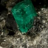 Beryl (variety emerald), Calcite, Pyrite<br />Muzo mining district, Western Emerald Belt, Boyacá Department, Colombia<br />76x47x45mm, xl=7x5mm<br /> (Author: Fiebre Verde)