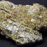 Barita con calcita<br />Mines Can Palomeres, Malgrat de Mar, Comarca Maresme, Barcelona, Catalunya, España<br />15 x 9 x 5 cm<br /> (Autor: karbu8)