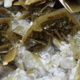 Barita con calcita<br />Mines Can Palomeres, Malgrat de Mar, Comarca Maresme, Barcelona, Catalunya, España<br />8 x 4 x 4 cm<br /> (Autor: karbu8)