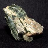 Actinolite-Tremolite SeriesCanteras Chelmsford lime, Chelmsford, Condado Middlesex, Massachusetts, USA5 cm (Author: NellsRocks)