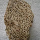 Pegmatita gráficaAfloramiento de pegmatitas, Pantano de Valdecañas, Belvís de Monroy, Comarca Campo Arañuelo, Cáceres, Extremadura, España7 x 4 x 3 cm. (Autor: P. apita)