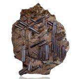 RutileTétikanana, Ambatofinandrahana, Distrito Ambatofinandrahana, Región Amoron'i Mania, Provincia Fianarantsoa, Madagascar8,5 x 2,5 x 11,0 cm (Author: MIM Museum)