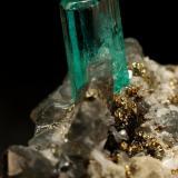 Beryl (variety emerald),  Calcite, Pyrite<br />Chivor mining district, Municipio Chivor, Eastern Emerald Belt, Boyacá Department, Colombia<br />19x14x21mm, xl=7mm<br /> (Author: Fiebre Verde)
