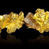 Gold on QuartzMina Mockingbird, Zona Colorado, Distrito Whitlock, Mother Lode Belt, Condado Mariposa, California, USA8,5x6,0x6,5cm (Author: MIM Museum)