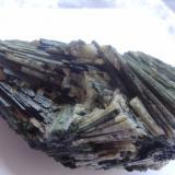 Actinolite.Grieta de Diopsidos (Schwarzenstein), Macizo Ochsner-Rotkopf, Zemmgrund, Zillertal, Tirol Norte, Tirol, Austria10 x 6,3 x 5,4cm (Author: Dave van Bladel)