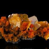 Wulfenite with MimetiteMina San Francisco, Cerro Prieto, Cucurpe, Municipio Cucurpe, Sonora, México9,0x4,5x3,5cm (Author: MIM Museum)