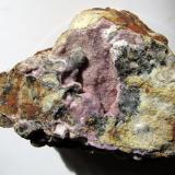Calcita (variedad cobaltífera)<br />Mina Solita, Peramea, Baix Pallars, Comarca Pallars Sobirà, Lleida / Lérida, Catalunya, España<br />8''4 x 6''4 cm.<br /> (Autor: Jordi Franco)