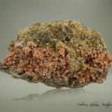 Clinoptilolita-Ca<br />Barranco de Tocodoman, La Aldea de San Nicolás, Gran Canaria, Provincia de Las Palmas, Canarias, España<br />83 x 57 x 57 mm.<br /> (Autor: Rafael Galiana)