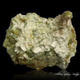Hidrotalcita<br />Mina Øvre Dypingdal, Depósito Dypingdal serpentine-magnesite, Snarum, Modum, Buskerud, Noruega<br />88 x 68 x 45 mm.<br /> (Autor: Rafael Galiana)